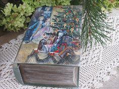 """Купить Книга-шкатулка """"Щелкунчик"""" со Щелкунчиком,колокольчиком и лошадкой в интернет магазине на Ярмарке Мастеров"""