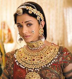 aishwariya - still from Jodhaa Akbar