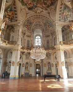 "versaillesadness: ""Gorgeous light at Stupinigi captured by @umbegus78 🏛️👑 . . #italy #stupinigi #art #architecture #palace #palazzina #royak #luxury #chandelier #interior #piano #music #paiting #ceiling #light http://ift.tt/2A36x3e """