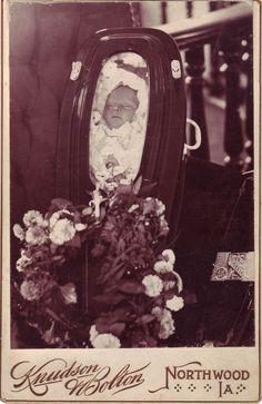 Memento Mori Photographs | Memento Mori: Victorian Death Photos / Paul Frecker - Nineteenth ...