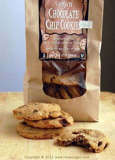 Trader Joe's Chocolate Chip Cookie! Do we think these are Uncle Eddie's brand repackaged?! Or what? <3333