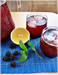 Green tea and blackberry lemonade