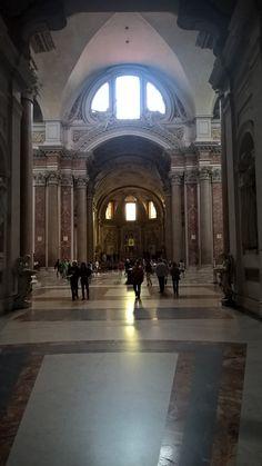 Dit is het interieur van de kerk de Santa Maria degli Angeli e dei Martiri. Deze…