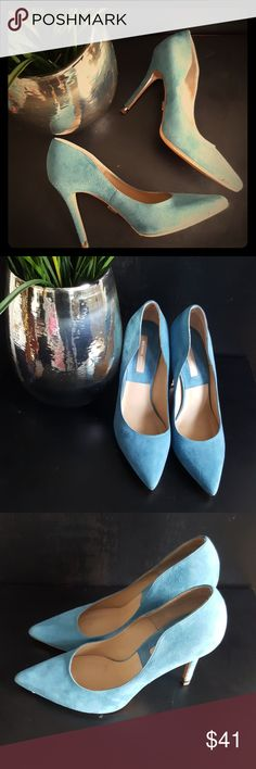 ⚘Michael Kors Light Blue Pumps⚘MADE IN ITALY Like new! Beautiful suede pumps by Michael Kors! The shoes are gorgeous and in excellent, like new condition. See the pictures! Michael Kors Shoes Heels