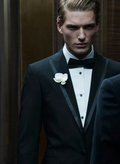 Mens Fashion Night Out Black Tie Affair, Tuxedo For Men, Men's Tuxedo, Classic Tuxedo, Classic Elegance, Groom Attire, Fashion Night, Well Dressed Men, Dsquared2
