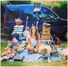 Gira il mondo con furgone e cane: lei è Marina e lui Odie QUI>>>http://tormenti.altervista.org/gira-il-mondo-con-furgone-e-cane/