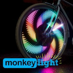 A COOL bike light that straps to your spokes and displays fun and colorful 8-bit graphics on your spinning bike wheel. Luces led que muestran animaciones personalizadas en los radios de tu bicicleta #COOL