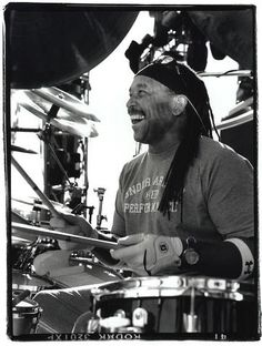 Carter Beauford on the drums!