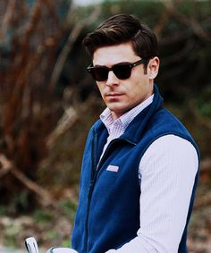 carolina-seas:beaprepster:luckydayblog: ZAC EFRON I CANNOT HANDLE YOU IN MORE VINEYARD VINES? !?! Rt^ This made my whole life.