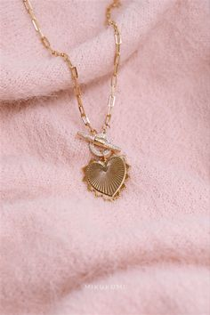 18K Gold Filled Heart Necklace Gold Filled Jewelry, Heart Of Gold, Paper Clip, Link Bracelets, Gold Chains, A Table, Necklace Lengths, 18k Gold, Gold Necklace