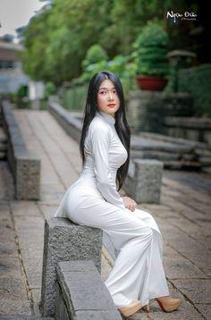 Doctor Romance With Beautiful Indian Sexy Girl Sexy Bbabhi With Doctor - Ao Dai, Vietnam Girl, Vietnamese Dress, Vietnamese Traditional Dress, Models, Beautiful Asian Women, Sexy Asian Girls, Traditional Dresses, Asian Fashion