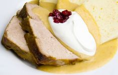 Sviečková na smotane Camembert Cheese, Cheesecake, Sandwiches, Food And Drink, Dairy, Beef, Desserts, Meat, Tailgate Desserts