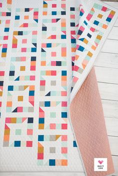 Inspirational points that we take great delight in! Quilting Tutorials, Quilting Projects, Quilting Designs, Sewing Projects, Star Quilt Blocks, Star Quilt Patterns, Quilt Storage, Animal Quilts, Scrappy Quilts