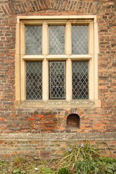 Tudor Windows i love tudor windows -- the more elaborate the design, the more i