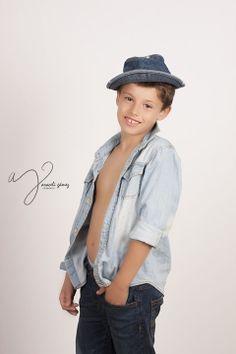 Niños | Araceli Gámez Fotografía Fashion, Infant Photography, Professional Photography, Moda, Fashion Styles, Fashion Illustrations