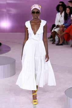 Коллекции | Ready-To-Wear | Весна-лето 2019 | VOGUE Spring Fashion Outfits, Spring Fashion Trends, Women's Summer Fashion, Fashion Week, New York Fashion, Women's Fashion Dresses, Trendy Fashion, Boho Fashion, Fashion Tips