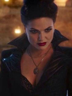 Out of Words......Love the Necklace!  Lana Parrilla!