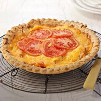 7 Savory Pie Recipes to Serve for Dinner Pie Recipes, Veggie Recipes, Cooking Recipes, Vegetarian Recipes, Quiches, Fresh Tomato Recipes, Tomato Pie, Tasty, Yummy Food