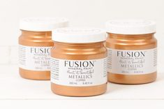 Using pure mica pigments our Fusion™ Metallics shimmer unlike any other on the market.  Make a statement and add some glam to your decor!  These work just like our regular Fusion™ Paints, however come in beautiful iridescent shimmer.