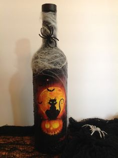Fall Wine Bottles, Halloween Wine Bottles, Liquor Bottle Crafts, Halloween Bottles, Wine Bottle Art, Painted Wine Bottles, Halloween Crafts, Glass Bottle, Painting Glass Jars