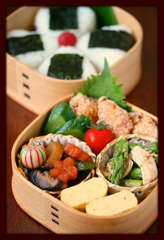 Japanese Bento Lunch (Onigiri Rice Ball, Dashimaki Egg Roll, Nimono Simmered Vegetables, JFC) by ivory_bell