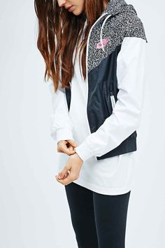 Nike Windrunner Jacket in Printed Black and White - Urban Outfitters 85 EUR