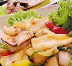 Impara la ricetta di Insalata di Seppioline e Ciliegini
