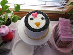 """Penguin cake at a Winter """"One""""derland Party #winterparty #penguin"""