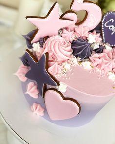 185 отметок «Нравится», 10 комментариев — Торты в Туле (@julee_cake) в Instagram: « А этот тортик доехал до Москвы»