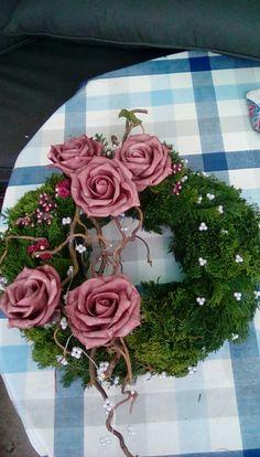 Pin by Heidi Nehmeyer on Grab Herbst Flower Wreath Funeral, Funeral Flowers, Grave Flowers, Cemetery Flowers, Christmas Flowers, Christmas Wreaths, Christmas Decorations, Floral Bouquets, Floral Wreath
