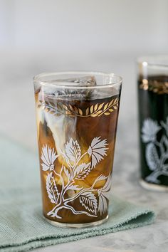 New Orleans Cold Brew Coffee Recipe with Coffee Ice Cubes!