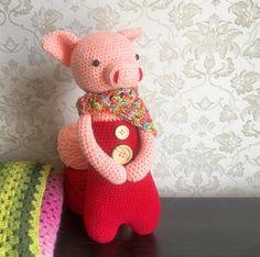 Pig by i.hooker. Crochet pattern by Little Bear Crochets: www.littlebearcrochets.com ❤️ #littlebearcrochets #amigurumi