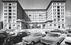 A brief history of The Peninsula Hotel in Tsim Sha Tsui, Hong Kong. Historic photographs from the past 85 years. Peninsula Hong Kong, Peninsula Hotel, History Of Hong Kong, China Hong Kong, World Cities, Old Buildings, Historical Pictures, The Good Old Days, Old Photos