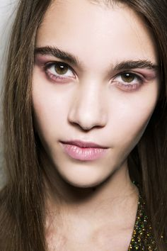 5 Fall Makeup Trends You Can Wear in Real Life via @ByrdieBeautyUK