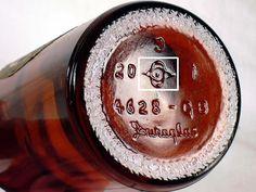 Duraglas Bottle - Base of an Owen-Illinois produced beer bottle. Old Liquor Bottles, Old Medicine Bottles, Antique Glass Bottles, Soda Bottles, Vintage Bottles, Bottles And Jars, Vintage Glassware, Vintage Perfume, Perfume Bottles