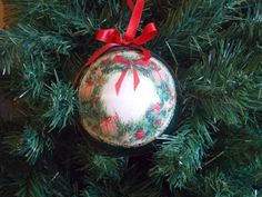 Decoupage Christmas ball/decoration for the by FestivitiesFactory