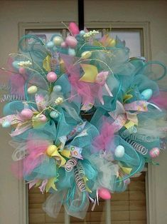 Let's welcome the beautiful season of Spring & Easter with some of the most craftiest DIY Easter wreaths. Check out best Spring wreath & easter wreaths here Easter Projects, Easter Crafts, Easter Decor, Easter Centerpiece, Bunny Crafts, Easter Table, Easter Party, Easter Ideas, Easter Gift