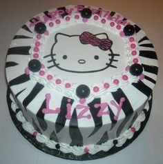Torta decorada con hoja comestible (Zebra y cara Hello Kitty)