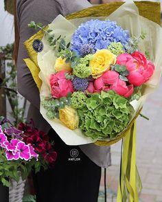📷😍🌸   Merci  anflor.by  Osez offir de la créativité: www.coleebree.com  #stylistfloral #floral #flower #livraison #fleuriste #fleurs #bouquet #deco #flowerstagram #coleebree  #marketplace #flowerpower #génial @coleebree