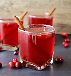 Crock Pot Cranberry Cider ~Virtual Progressive Dinner & Giveaway - Page 2 of 2 - Kleinworth & Co Traditional Thanksgiving Menu, Thanksgiving Drinks, Christmas Drinks, Holiday Cocktails, Christmas Treats, Wine Cocktails, Christmas Goodies, Cocktail Drinks, Jugo Natural