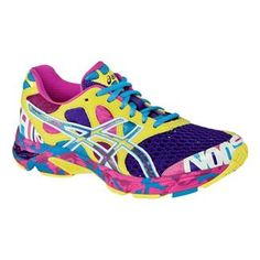 Women's Asics GEL-Noosa Tri 7.  My latest addition to the shoe wardrobe.  Glad I didn't get the neon pink ones now.  LOL