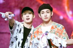 Uploaded by By Viktorya ^_^ :). Find images and videos about kpop, bts and jungkook on We Heart It - the app to get lost in what you love. Jimin Jungkook, Bts Taehyung, Bts Bangtan Boy, Taekook, John Legend, Korean Boy Bands, South Korean Boy Band, Namjin, Yoonmin