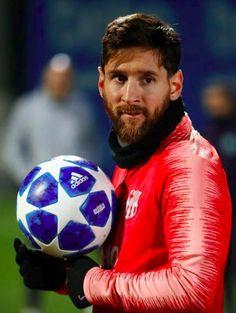 Leonel Messi, Messi And Ronaldo, Cristiano Ronaldo, Antonella Roccuzzo, Lionel Messi Wallpapers, Argentina National Team, Club World Cup, Watch Football, Actor Photo