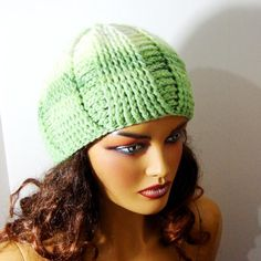 Christmas Gift Green İvory Woman Hat Crochet Beanie by RoseAndKnit Best Picture For handmade gifts f Bonnet Crochet, Crochet Beret, Knitted Hats, Winter Accessories, Women Accessories, Buy Clothes Online, Green Gifts, Floral Kimono, Pretty And Cute
