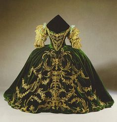 The green mob scene gown worn by Norma Shearer in Marie Antoinette (1938). The dress was once part of Hollywood: Legend and Reality, a 1986-1987 traveling exhibition dedicated to production and costume design of some of Hollywood's greatest films of the 20th century. image: scan from Hollywood: Legend and Reality, edited by Michael Webb