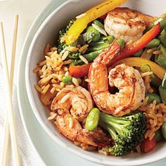Need dinner idea for tonight? Try healthy shrimp fried rice from @Cooking_Light!