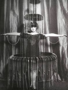Marquisa Luisa Casati, where the brand Marchesa took its name, wear a dress by Paul Poiret
