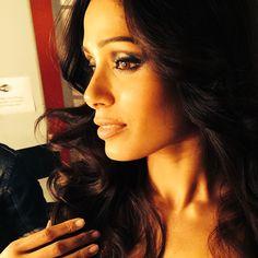 Freida Pinto / #hair @mrchrismcmillan / #makeup @lisastoreymakeup / #styling @elizabethstewart1 Freida Pinto, Makeup, Instagram Posts, Hair, Beauty, Make Up, Beauty Makeup, Beauty Illustration, Bronzer Makeup