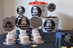 Anniversaire Star Wars Theme Star Wars, Star Wars Party, Anniversaire Star Wars, Birthday Star, Paw Patrol Party, Candy, Stars, Pirate Birthday, Papercutting