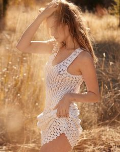 BoHo Beauty introduces -David Roemer for Marie Claire Italia February 2019 with Behati Prinsloo Levine Fashion Photography Inspiration, Photography Poses Women, Portrait Photography, Poses Modelo, Mode Editorials, Fashion Editorials, Mode Hippie, Behati Prinsloo, Look Fashion